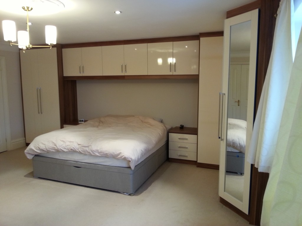 Fitted Wardrobes With Top Boxes