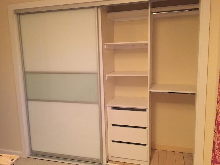 right side of sliding wardrobe