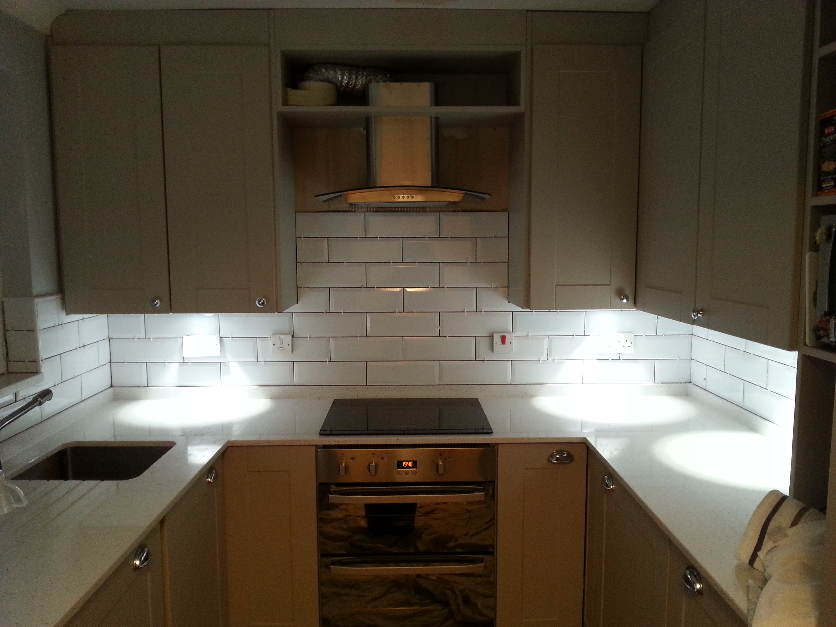 A fully fitted kitchen at an affordable price for Pictures of fitted kitchens