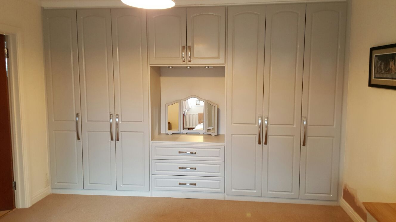 final view of built in wardrobes with dressing table and internal drawers - Built In Wardrobe