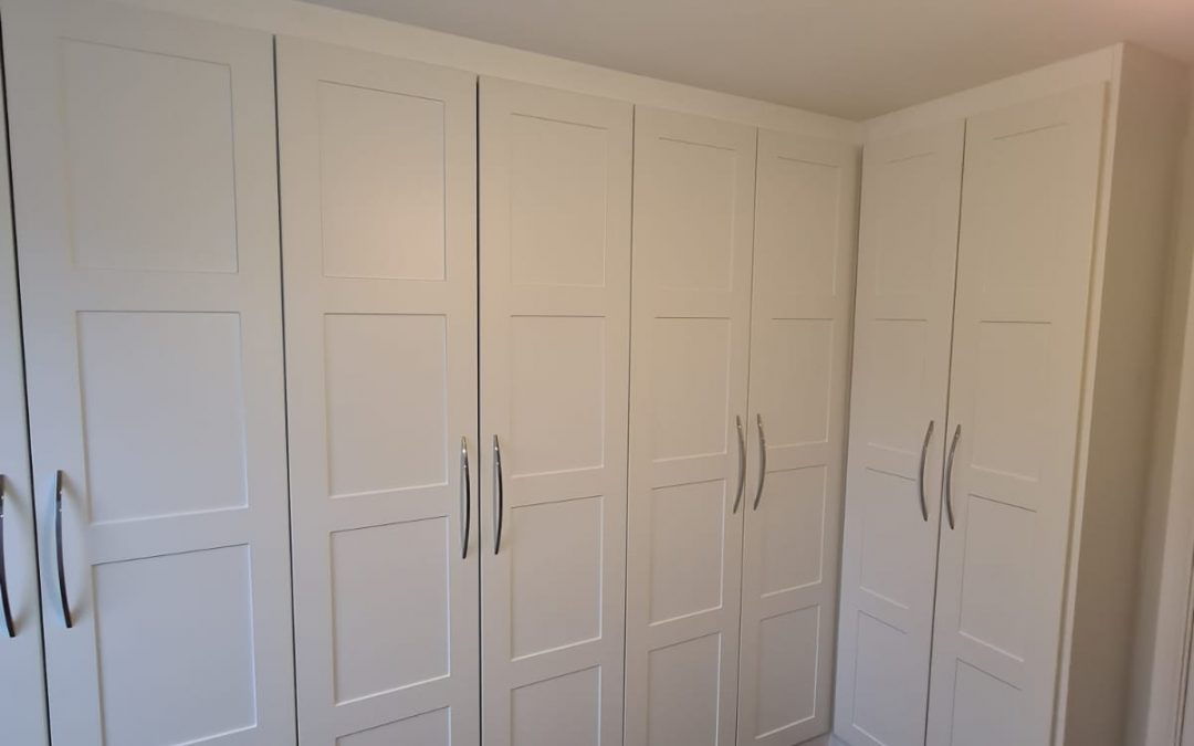 Built In Wardrobes With Hanging Space Drawers And Shelves Built In Wardrobes With Hanging Space ...
